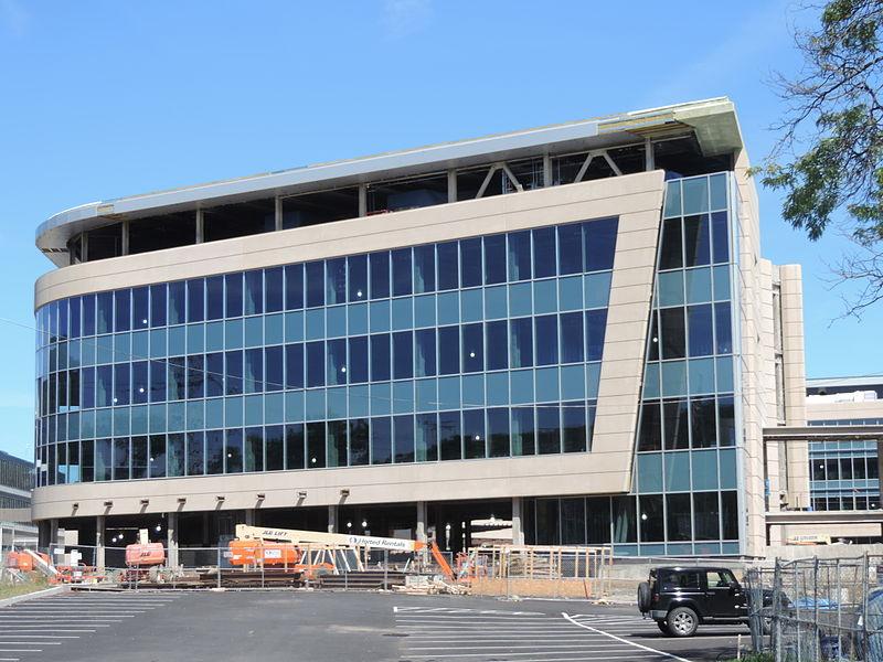 800px-New_Eastview_office_bldg_jeh