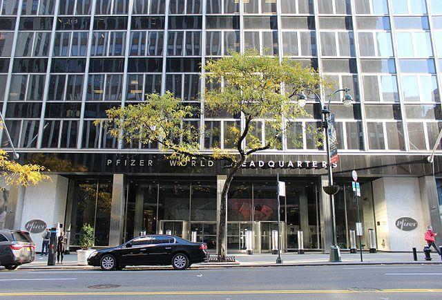 Pfizer world headquarters in Manhattan, New York. (Credit: Coolcaesar)